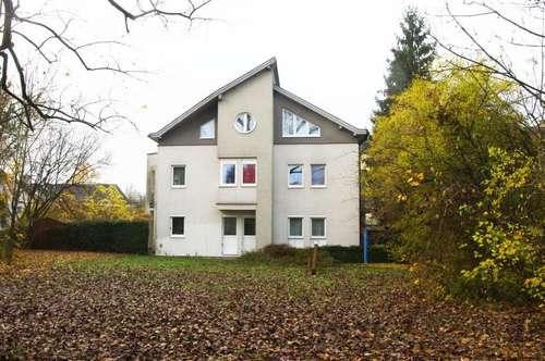 Ruhige 2 Zimmer Wohnung mit Balkon und Garagenplatz