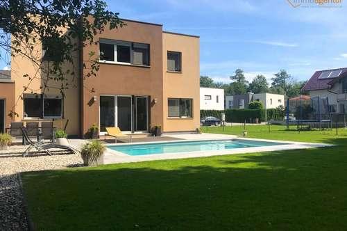 Vollausgestatteter Familientraum mit Keller, Pool & Garage in der Wohlfühlgemeinde Schleißheim!