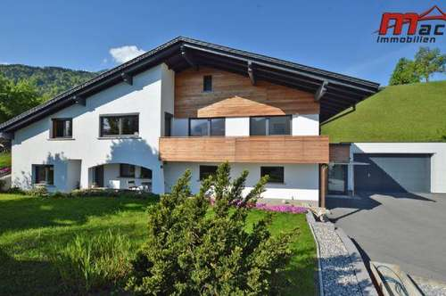 Hochwertiges Einfamilienhaus mit Einlieger-Wohnung in Hanglage