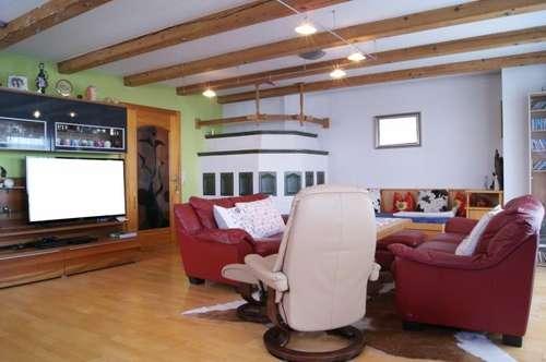 Großzügiges Ein- bzw. Mehrfamilienhaus mit Gewerbeanteil - Saalfelden