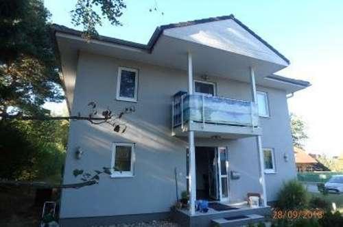 Geräumiges Wohnhaus in Ortsrandlage