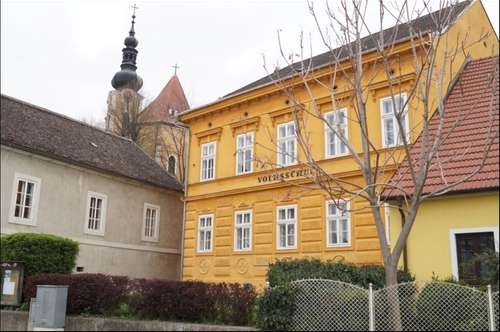 Schlossstraße 10