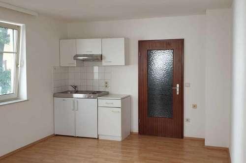 1 Zimmer Wohnung in Hofruhelage mit kleiner Außenfläche