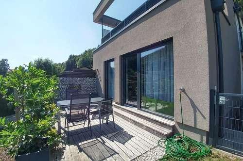 Moderne 3 Zimmerwohnung mit eigenem Garten und Terrasse in Hof bei Salzburg