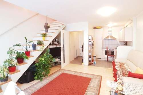 +++ SCHÖN & ZENTRAL +++ 4-Zimmer Maisonette Wohnung