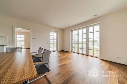 Erstbezug - Ruhige 3-Zimmer Wohnung mit Balkon und Seeblick im Wiener Becken