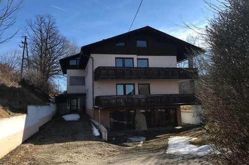 Idyllisches 15-Zimmer Mehrfamilienhaus in Keutschach am See