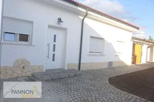 Schmuckstück: neu renoviertes Landhaus in ruhiger Lage