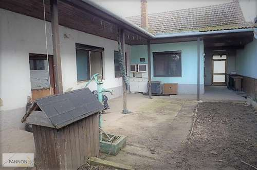 Landhaus mit Nebengebäuden im Seewinkel – renovierungsbedürftig