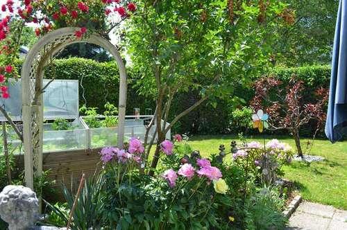 großzügiges Reihenhaus mit traumhaftem Garten