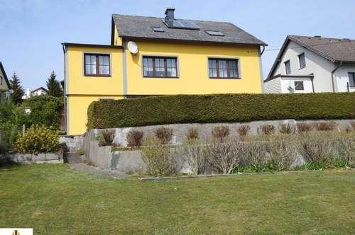 Schönes, gepflegtes Einfamilienhaus mit großem Garten und Terrasse in Dietmanns! Nähe Groß-Siegharts (2 km)!