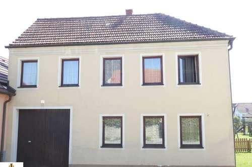 Gepflegtes, großes Landhaus mit Stadel, Nebengebäuden, Weinkeller und uneinsichtigem Innenhof in Langau!