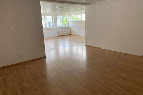 Einladender Büroraum in Arzl