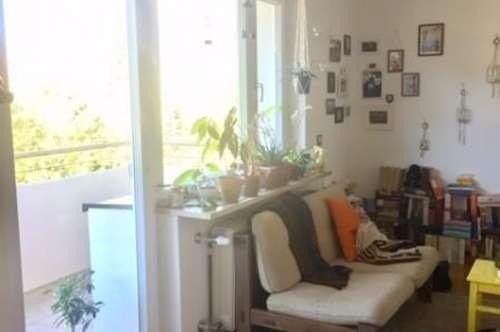 Gleich im Zentrum der Stadt und doch ruhig, perfekt für Singles oder Studenten 1-Zimmer-Wohnung mit Küche, Balkon, Bad/WC und Keller
