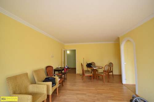 """""""OBERNDORF - Gediegene 3 Zimmer Wohnung mit Terrasse und Gartennutzung"""""""