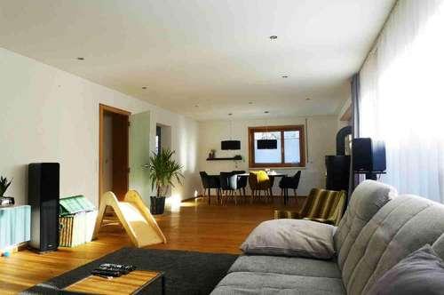 Modern saniertes Einfamilienhaus mit Garten