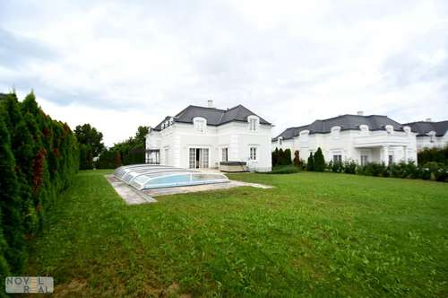 Wunderschöne, komplett möblierte Villa mit Pool! Exklusive Lage in Fontana!
