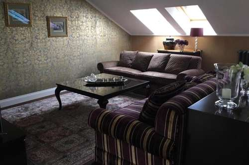 Maisonette Wohnung mit Blick auf Belvedere, Designeinrichtung!