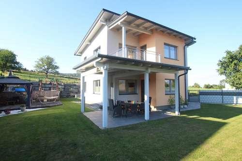 Neubau-Einfamilienhaus in sonniger Lage von Köttmannsdorf