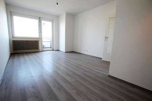 Neu sanierte 2- Zimmer Wohnung in Zentrum vom Klagenfurt!