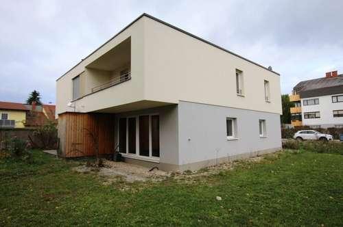 Große Doppelhaushälfte in Massivholzrohbau - Landesdarlehen möglich