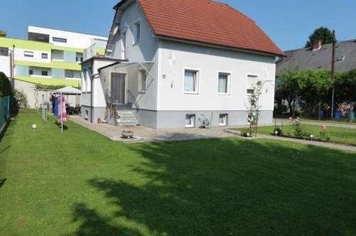 Gepflegtes Häuschen in begehrter Lage sucht neue Mieter! 120m² Wohnfläche, gute Raumaufteilung!