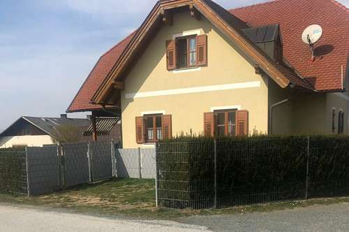 Sehr gepflegtes Einfamilienhaus (ca. 200 m²) mit Grünfläche in ruhiger Lage in D. Kaltenbrunn