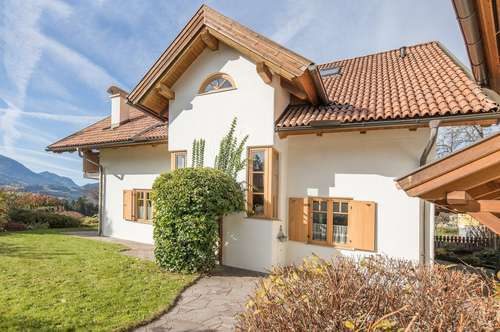 Großzügiges Wohnhaus mit Panoramablick