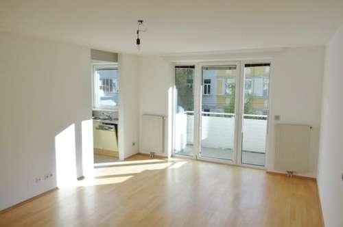 Helle, ruhige Wohnung mit Balkon, Gemeinschaftsgarten, Garage, sehr gute Wohngegend
