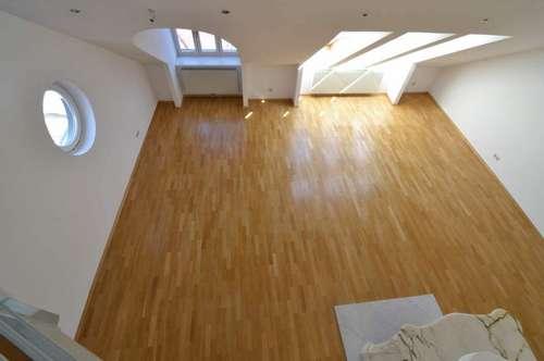 Dachgeschoss-Maisonette mit großer Terrasse!