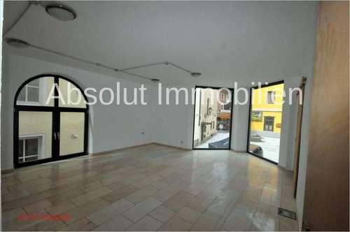 Seltene Gelegenheit! 2-geschossiges Geschäft/Büro od. Geschäft mit Wohnung im Zentrum von Zell/ See!