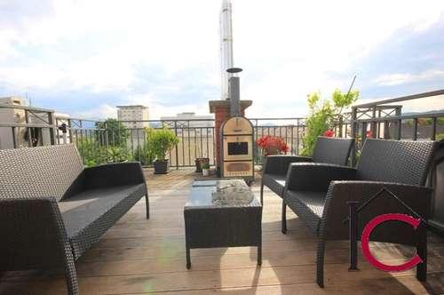 Neuwertige Dachgeschoss-Maisonette mit reizender Dachterrasse und Blick über die Dächer …