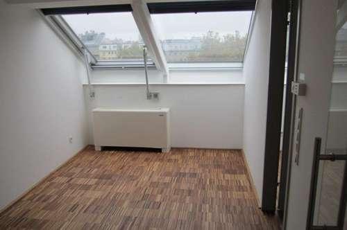 Moderne 2-Zimmer-Wohnung im Dachgeschoss