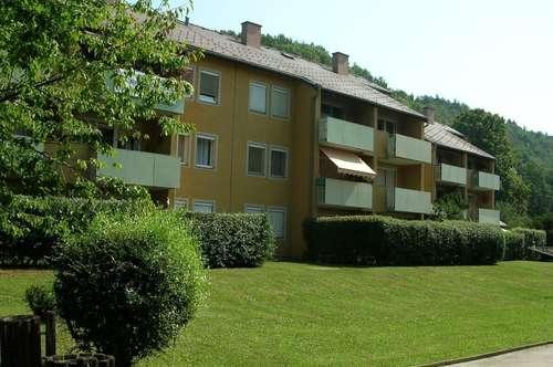 Genießen Sie den ländlichen Charme von Köflach am Balkon der 3-Zimmer-Wohlfühloase im Grünen! Gute Infrastruktur, familienfreundliche Wohngegend!