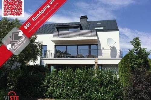Moderne Terrassenwohnung in sanierter Villa inkl. Parkplatz in privater Doppelgarage!