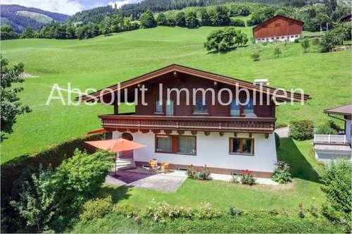 Attraktives Landhaus in wunderschöner, sonniger Hanglage m. traumhaftem Ausblick auf d. Hohen Tauern