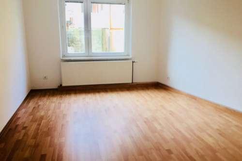 ERSTBEZUG NACH SANIERUNG! Provisionsfreie 3-Zimmer Wohnung!