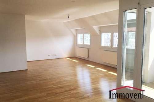 WOHLFÜHLKOMFORT: 3-Zimmer Traumwohnung mit großzügiger Dachterrasse