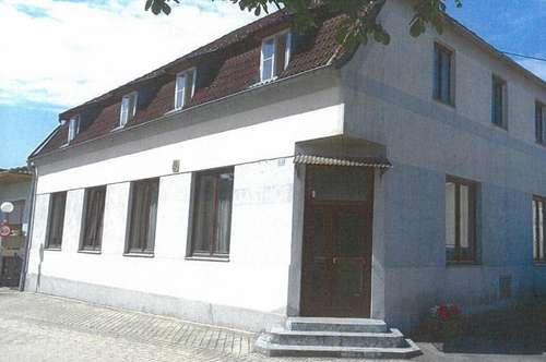 großzügiges Haus - ehemalige Gaststätte - in Piringsdorf