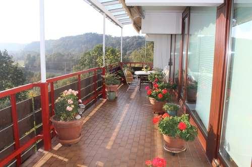 Vielseitige Terrassenwohnung mit Traumaussicht