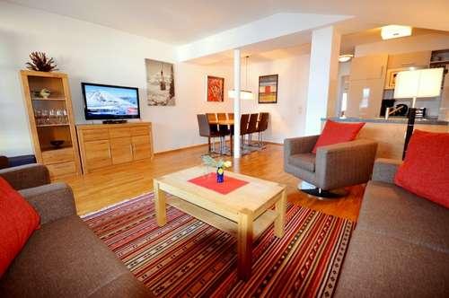 Appartement im Dachgeschoss in Fürth: 180 Grad Panoramaaussicht auf Kaprun und Kitzsteinhorn