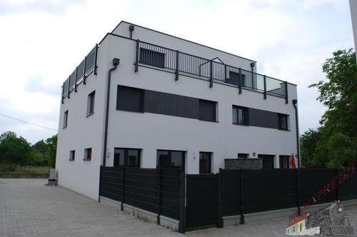 Doppelhaushälfte mit Studio und Dachterrasse