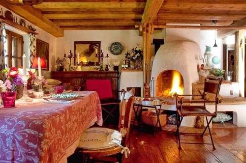 Historisches, wiedererrichtetes Bauernhausjuwel in Seenähe