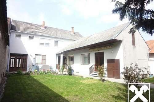 Haus mit vielen Möglichkeiten - Werkstatt und Innenhof !