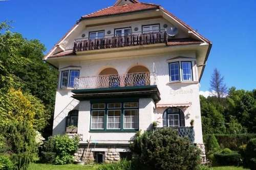 * Drei Wohnungen in Baumgartner Villa *