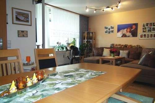 Gepflegte 4-Zimmer Wohnung mit verglaster Loggia +++ Absolut ruhig und zentral gelegen