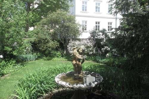 Große Stilvilla mit Garten und Schwimmhalle