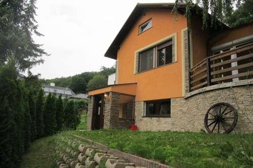 """Einfamilienhaus in charmantem """"60s style"""" an Waldgrenze - Gablitz"""