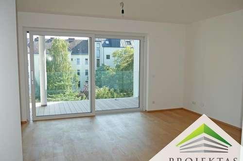 ERSTBEZUG Volksfeststraße: 3 Zimmerwohnung mit großem Innenhofbalkon und Einbauküche!