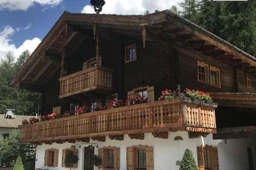 Chalet - Historisches Bauernhaus - 250 Jahre - Neu aufgebaut - Luxus - Komplett eingerichtet - Modernste Haustechnik